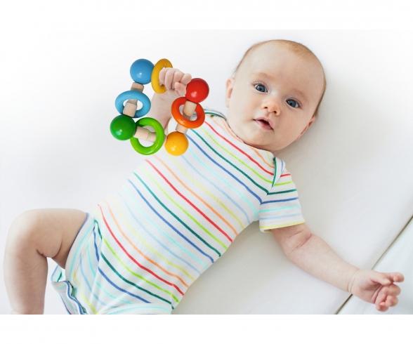 Eichhorn Baby, Greifling mit Ringen