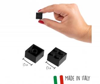 Blox 100 black 4 pins Bricks in Box