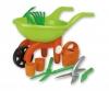 Schubkarre mit Gartenwerkzeug