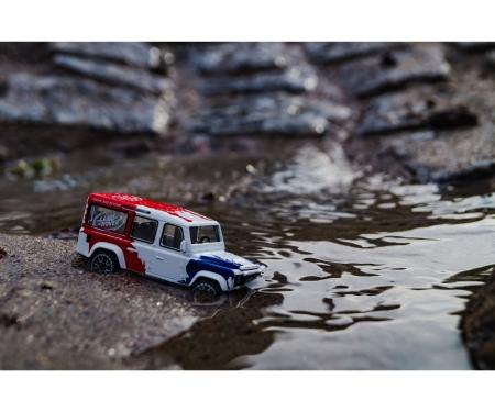 Racing Land Rover Defender 110
