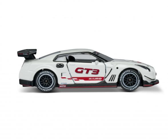 Racing Nissan GT-R Nismo GT3