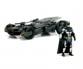 Batman Justice League Batmobile 1:24