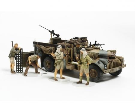1:35 Brit. LRDG Befehlswagen mit 7 Fig.