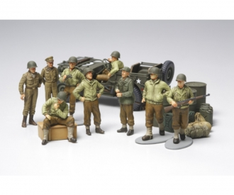 1:48 WWII US Willys Jeep w/Fig.-Set (9)