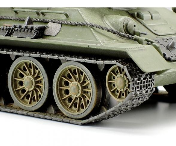 1:48 Rus. Mit. Pz. T-34/85