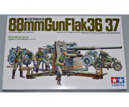 1:35 WWII Ger.Flak 8,8 w/Motorcycle (9)