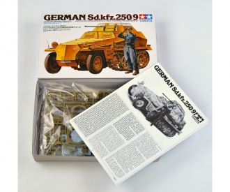 1:35 Ger. Halftrack 250/9 Arm. (1)