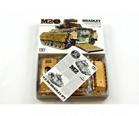 1:35 US Pz M2 Bradley I.F.V (1)