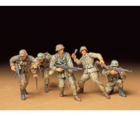 1:35 WWII Fig-Set Ger.Front-Line Sold(5)