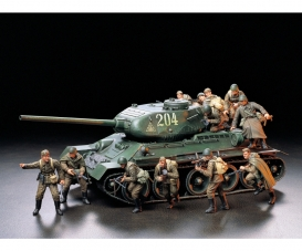 1:35 Fig-Set Sov. Infantry Assault (12)