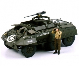 1:35 WWII US M20 Armored Utility Car (2)