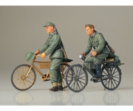1:35 Diorama-Set Soilder w/ Bicycle (2)