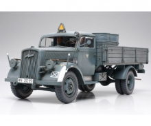 1:35 WWII Dt. Transport LKW 3to (2)