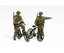 1:35 WWII Brit. Paratroop w/ Parabike