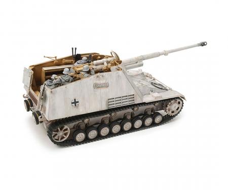 1:35 WWII Dt. Panzerjäger Nashorn (4)
