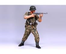 1:16 Figur Deut. Infanterie Soldat