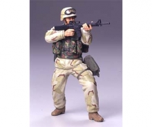 1:16 Figur US Infant.Soldat Wüsten Unif.