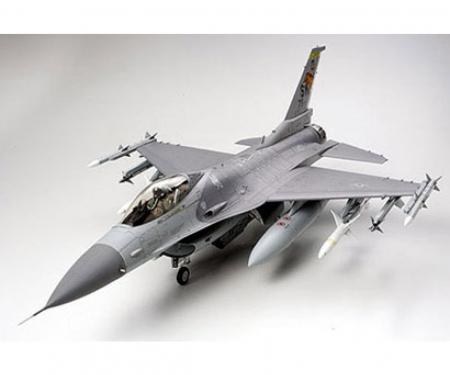 1:32 Lockheed Mar.F-16CJ Fighting Falcon