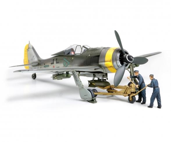 1:48 WWII Dt. F.W. Fw190 F-8/9 m.Belad.