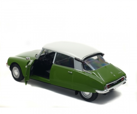 1:18 Citroen DS green
