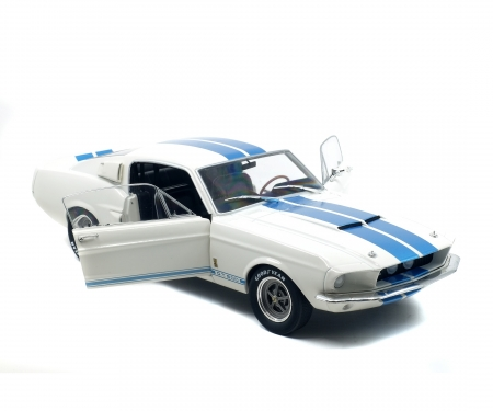 1:18 Shelby Mustang GT 500, weiß