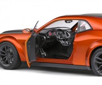 1:18 Dodge Challenger orange