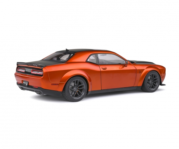 1:18 Dodge Challenger orange