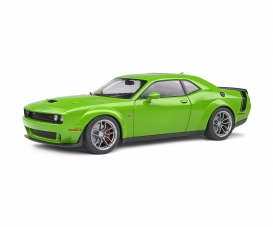 1:18 Dodge Challenger green