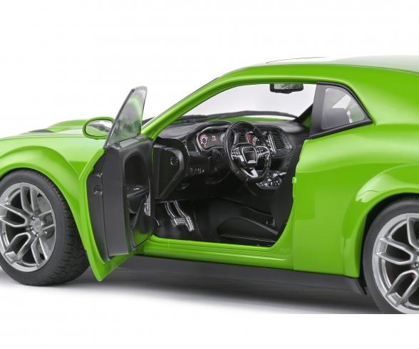 1:18 Dodge Challenger green