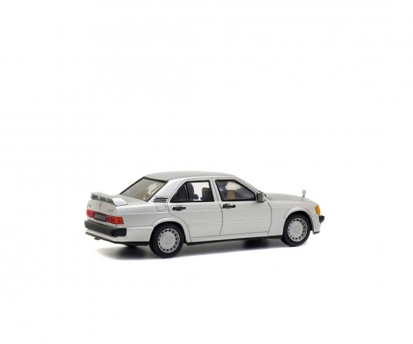 1:43 Mercedes-Benz 190E, silber, 1984
