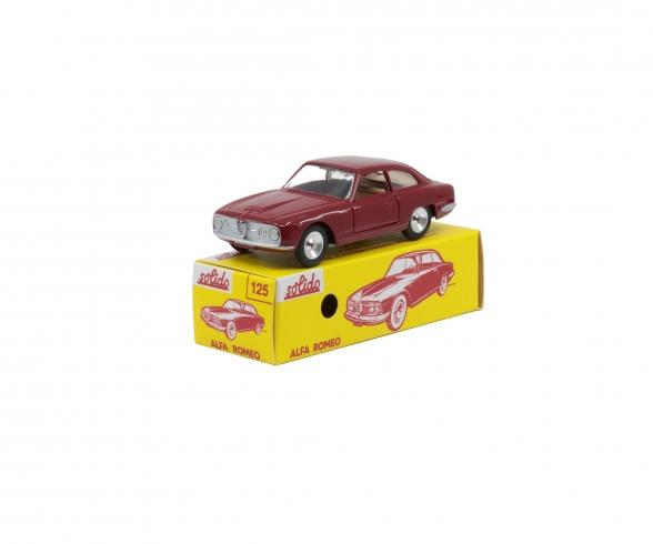 1:43 Alfa Romeo 2600 red