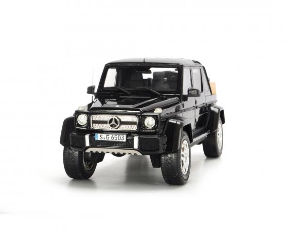 Mercedes-Maybach G650 Landaulet, black, 1:18