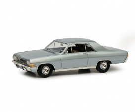 Opel Diplomat A silver 1:18