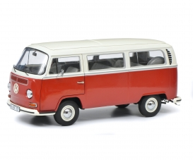 VW T2a bus L, red/white 1:18