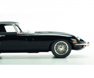 "Jaguar E-Type ""Shooting Brake"" H&M, 1:12"