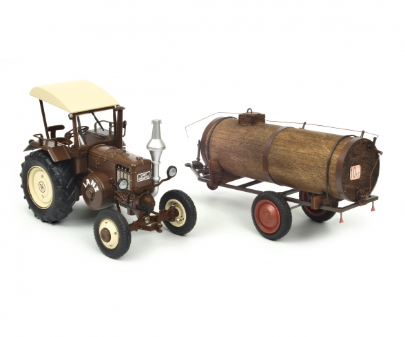 Lanz Bulldog with roof and manure trailer, 1:32