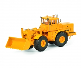 Kirovets K-700 M, yellow 1:32