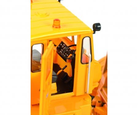Kirovets K-700 M mit Frontschaufel, gelb, 1:32