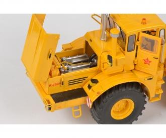 Kirovets K-700 M, yellow 1:32