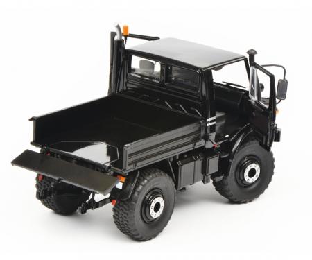 Mercedes-Benz Unimog U1600, black, 1:32