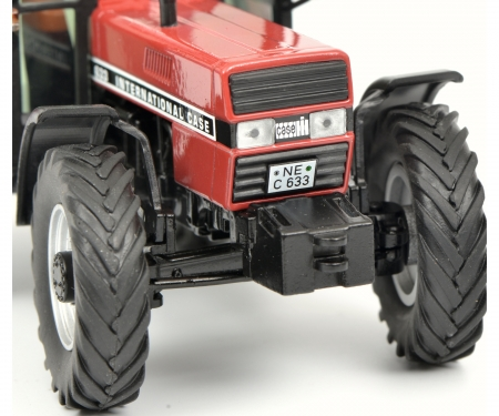 Case International 633 with cabin, red 1:32