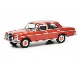 MB 200D dark red 1:64