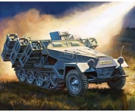 "1:100 Sd.Kfz251/1 Ausf.B ""Stuka zu Fuss"""
