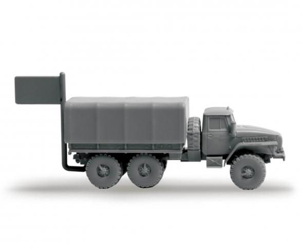 1:100 Ural Truck