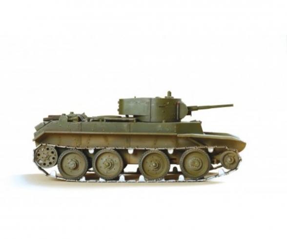 1:35 WWII Soviet Light Tank BT-7